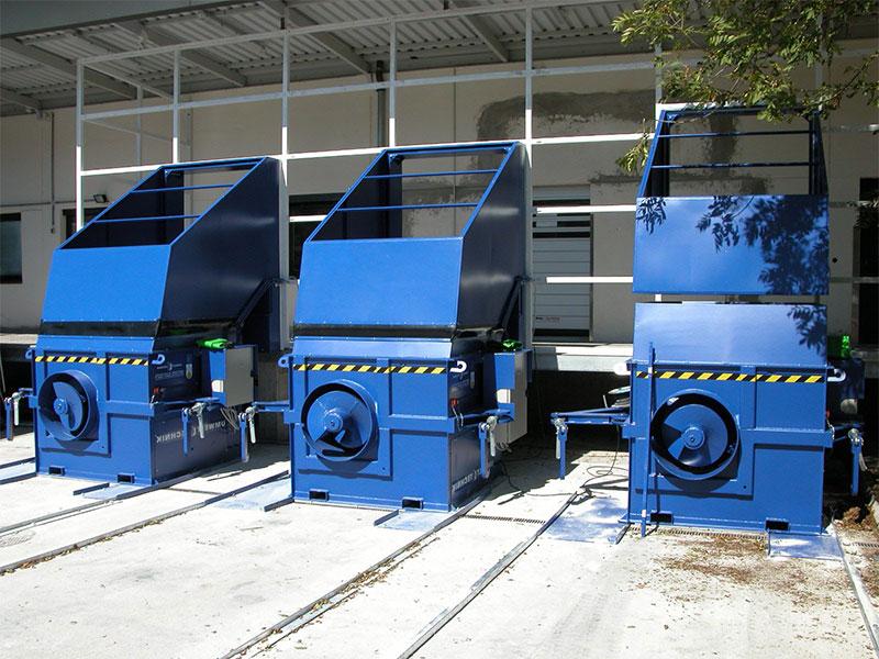 Werner Weber Schneckenverdichter können zum Verdichten von Papier, Kartonagen, Folien, PET und auch Einwegpaletten sowie Holzeinweggebinde eingesetzt werden.