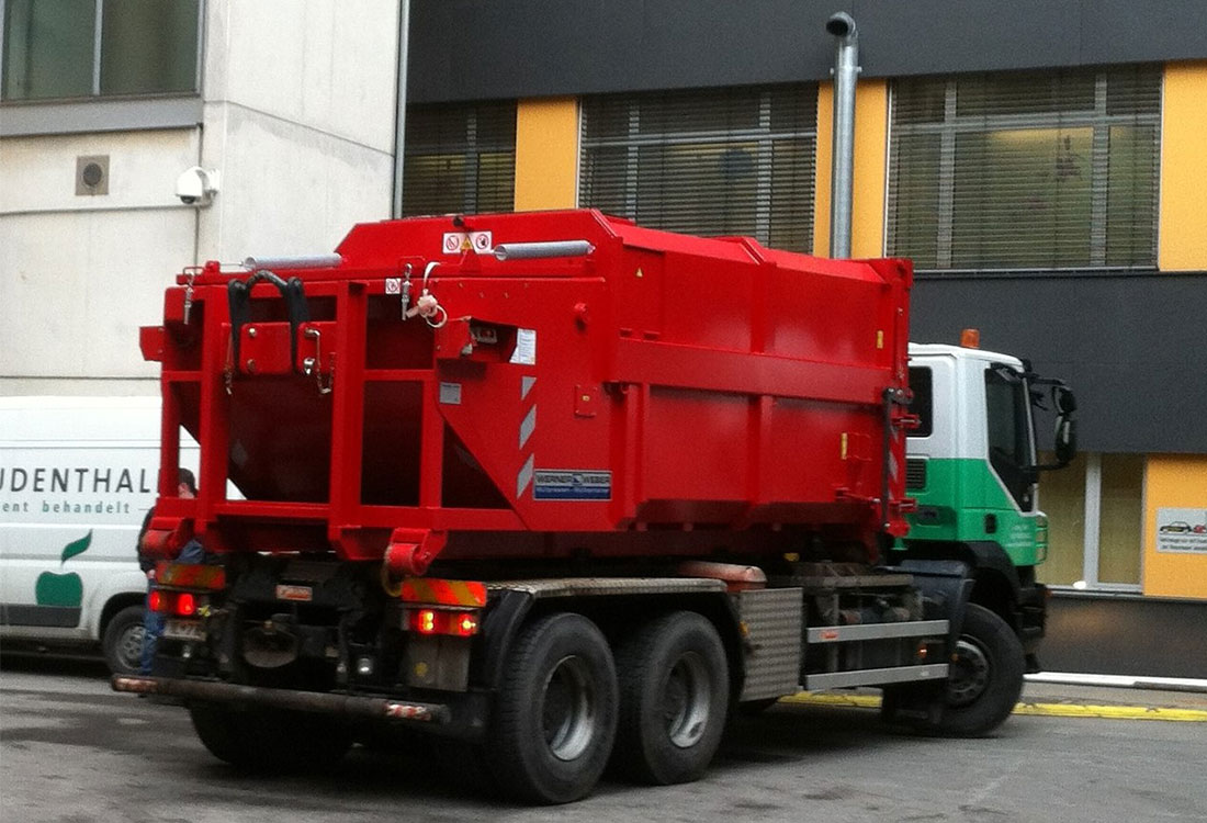 Die mobilen Müllpressen der Fa. Werner & Weber sind kompakt, platzsparend und durch Ihre Mobilität flexibel in der Anwendung.